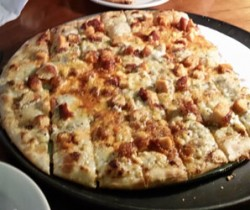 Gibbys Buffalo Chicken pizza